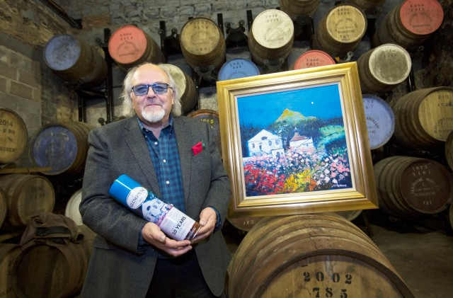 Jolomo with the Spring Blossoms painting and the Glengoyne Spring Tin.jpg